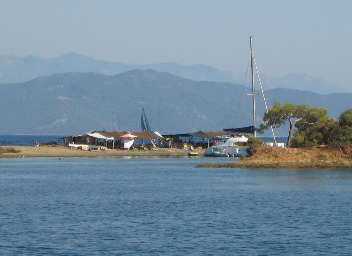 Antibes - la ville des yachts exclusifs - urlaubeinfo