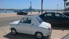 Petite voiture et gros bateau...