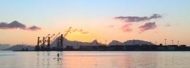 Port de Papeete, Moorea au fond