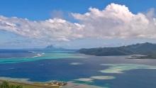 Bora Bora au fond